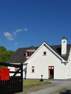 Blue Skies at Springfield Cottage dot ie! A modern cottage which echoes  traditional Irish design.