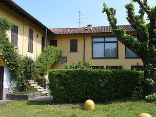 QUIET & COZY FLAT IN TICINO PARK CLOSE TO MALPENSA, LAKES AND RHO FIERA, WIFI