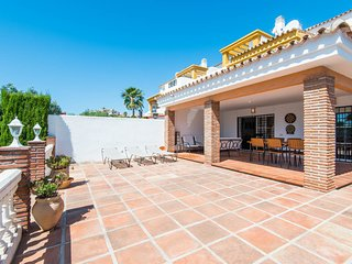 Spacious villa ideal for families & golf holidays