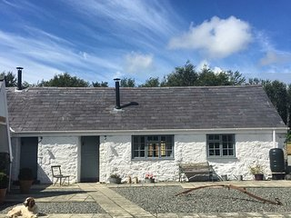 Gwyllt Cottages - Bwthyn Sian - 2 Double Bedroom Cottage, Newborough