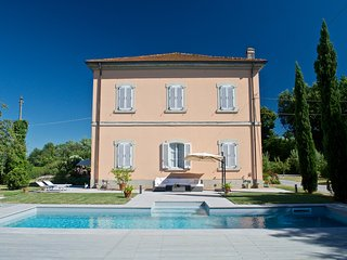 Restored Villa on the countryside, private pool, all comforts. Up to 12 people