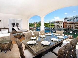 Aqua Vue - Luxurious 4 bedroom condo at Porto Cupecoy | Island Properties, St. Maarten-St. Martin