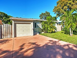NEW! 3BR West Palm Beach! Optional Garage Studio w/Private Entrance & Kitchenette