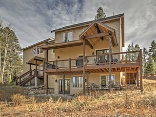 5BR Breckenridge House w/Hot Tub & Stunning Views!
