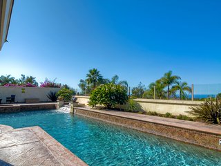 Stunning Ocean Views and Sunsets!! Walled & gated privacy. 5 Bedrooms Sleeps 10.