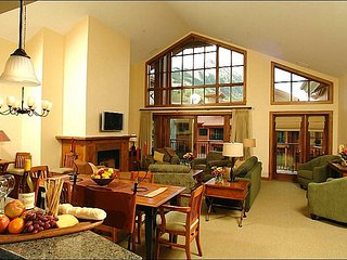 Stunning Penthouse Unit - Slope and Valley Views (1097), Crested Butte
