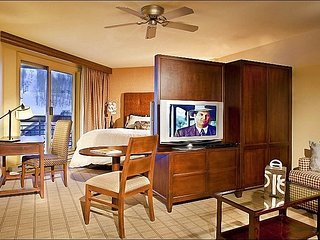 Opulent Accommodations - Beautiful Slope Views (1105), Crested Butte