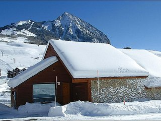 Luxury Townhome on Snowmass Road - Wonderful Mountain Views (1127), Crested Butte