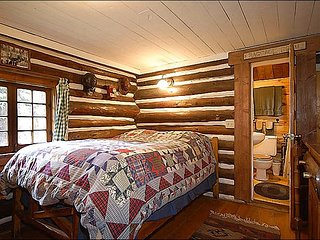 Warm, Inviting Lob Cabin - Close to Cement Creek (1171), Crested Butte