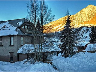 Cozy and Comfortable Accommodations - Just Two Blocks from Main Street (1186), Crested Butte