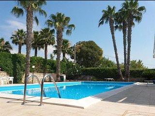 Villa con piscina privata, in campagna, a 10 minuti dal mare