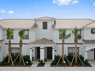 Amazing 4BR 3 bath Storey Lake Townhouse w/private splash pool from $128 a night