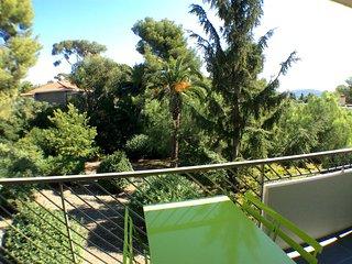 CADRE EXCEPTIONNEL: Votre appartement 4**** face a un Jardin Mediterraneen !