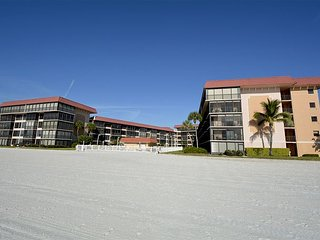 Relax & enjoy the peace & quiet in this over 55 building! 3 month min stay., Redington Shores