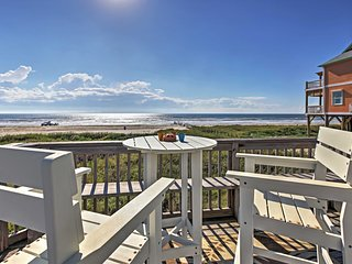 Beachfront 3BR Galveston Home w/Ocean Views!