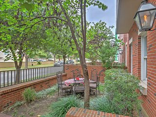 NEW! 3BR Dallas Condo w/Community Pool Access!