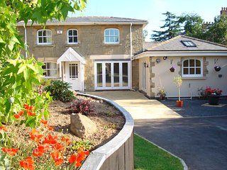 Newly available Cottage close to centre of Malvern with parking and gated garden