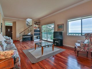 Ocean View 3 BR Pacifica Gem W/Hot Tub