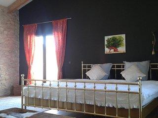 FINCA SIGGI, renoviertes Landhaus zw. Oliven und Mandarinen am Fluss Ebro