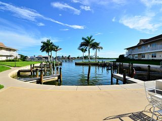 Ground Floor Condo Where You Can Relax on the Marco River, Marco Island