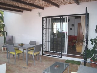 2-Bedroom Apartment with big terrace and 120m2 Patio in Finca on the beach, Altea