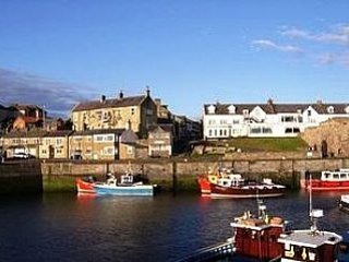 Cosy ground floor, pet friendly  apartment close to Seahouses harbour