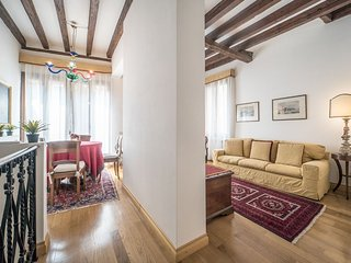 Ca' Graziosa - Two bedrooms romatic apartment in San Samuele