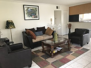 Private, furnished apt in Glendale/WiFi/ parking