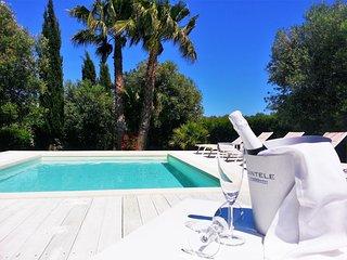 Villa Gina: piscina, privacy e design a Torre San Giovanni - Salento