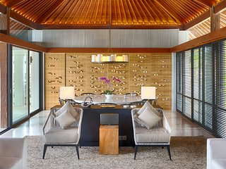 Villa Hamsa - Contemporary style