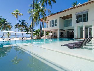 The Amilla Villa Estate - Luxuriate poolside