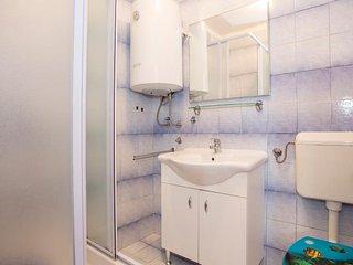 Apartment 10818