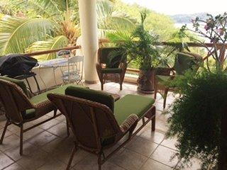 Top floor oceanfront close to amenities and beach