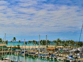 MONTHLY Ilikai Marina 1399 Steps to Waikiki Beach, Honolulu
