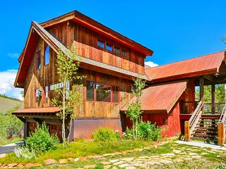 Award Winning Custom Home In Aspen Forest - Incredible Views/Hot Tub/WiFi/XBox, Granby