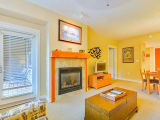 Luxury Ski In/Out In Resort Base Village #3505 - Great Views/Hot Tub/Garage/WiFi, Winter Park