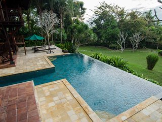 Magnificent 7 BR villa in Ubud!
