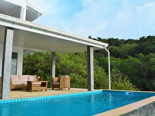 Villa Yvett, Coconut Bay