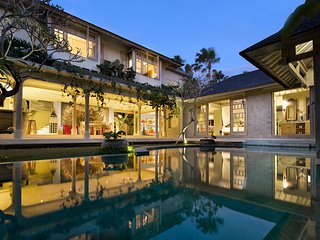 Central Seminyak Luxury 3BDR Gorgeous Villa!