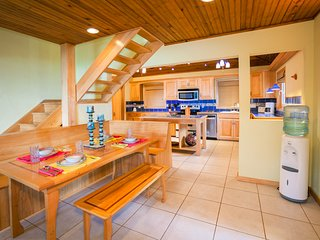 Dining area flows into the kitchen