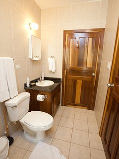 The guest ensuite bathroom
