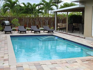 1. Windward Escape 4/3,  5 Min Walk to Beaches, Heated Pool!, Pompano Beach
