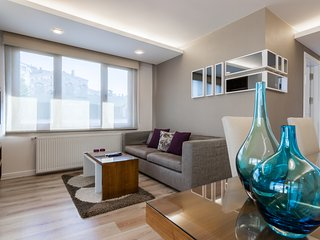 2 BDR MODERN&COMFY APARTMENT