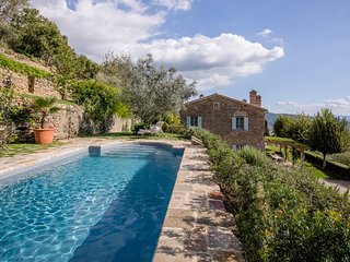 Villa Cristina with pool and walking distance, Cortona