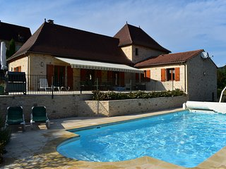 LA BOUFFARDIE - FANTASTICALLY EQUIPPED HOUSE - HEATED POOL, AIR CON, SAT TV....