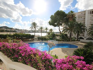 Wonderful two bedroom beachside apartment, Santa Ponsa