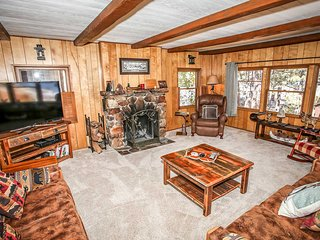 DreamView Entertaining Family Cabin~Pool Table~Awesome Deck Views~Close To Town~