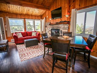 Black Diamond Watch Mountain Cabin~Close To Ski Slopes~Washer/Dryer~WiFi~