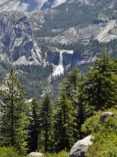 This cabin is in a perfect location for your next vacation to beautiful Yosemite National Park