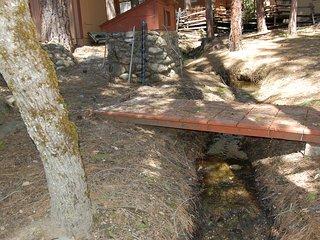 (4N) The Bassett's Cabin